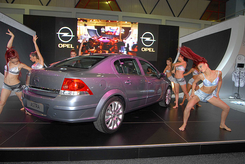 New four-door Vauxhall Astra Saloon.-astrasedan_turkey_01-jpg