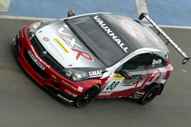 Victorious Race Debut the VX Racing Astra Sport Hatch-btccastravxr1-jpg