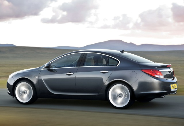 Vauxhall Insignia, Dynamic Design and Advanced Technology-in2-jpg
