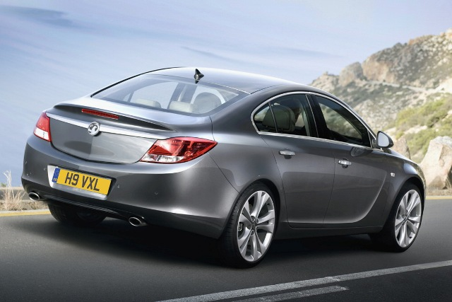 Vauxhall Insignia, Dynamic Design and Advanced Technology-in3-jpg